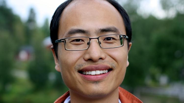 Yongqi Liang